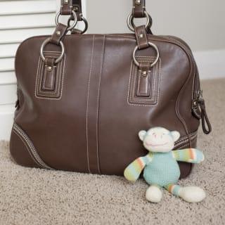 Was gehört in Babys Wickeltasche?