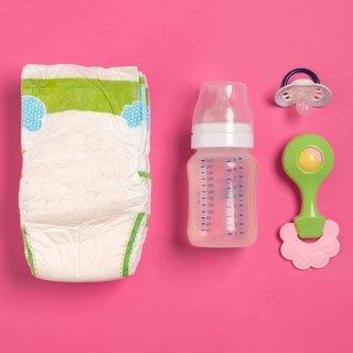 Checkliste: Unterwegs mit dem Baby - Was gehört in die Wickeltasche?