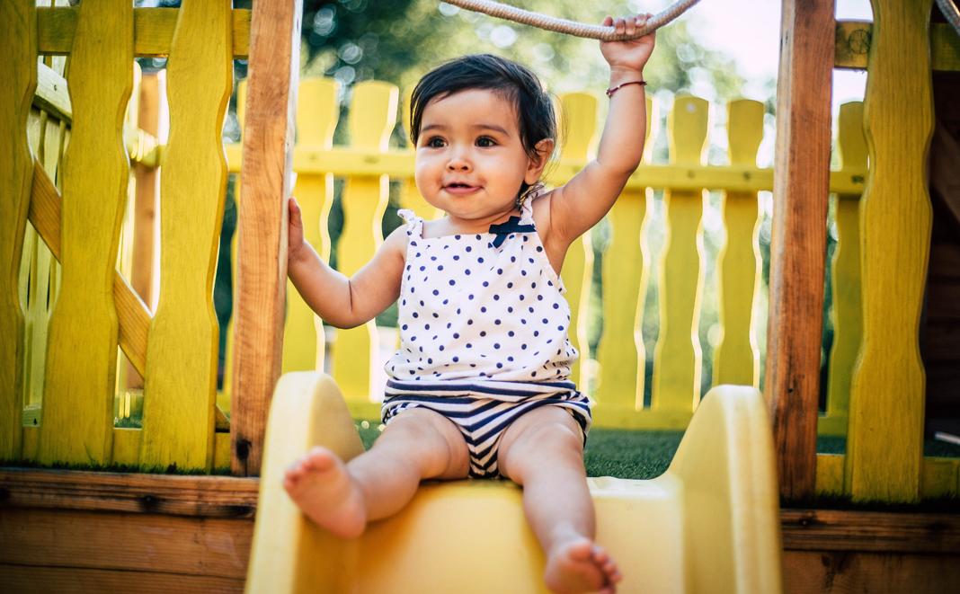Babykleidung im Sommer: Wie Sie Ihr Kind richtig anziehen