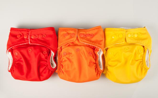 Stoffwindeln verschiedenen Farben.