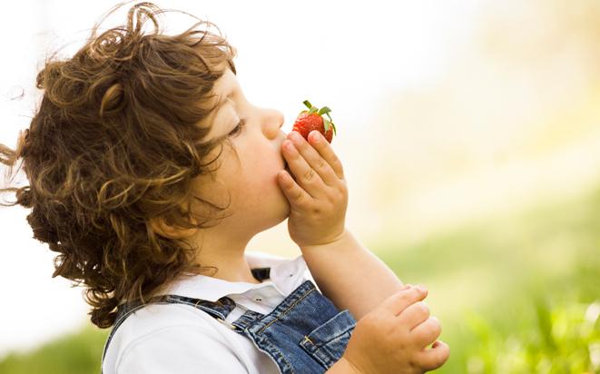 Breiverweigerung: Wenn Babys auf Fingerfood umsteigen.