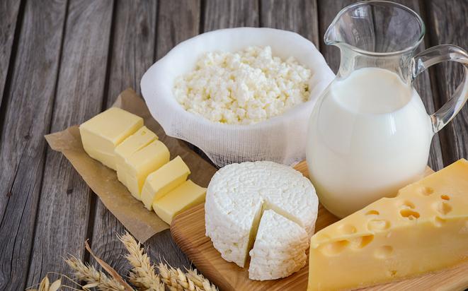 Richtiger Zeitpunkt von Milchprodukten für Babys.