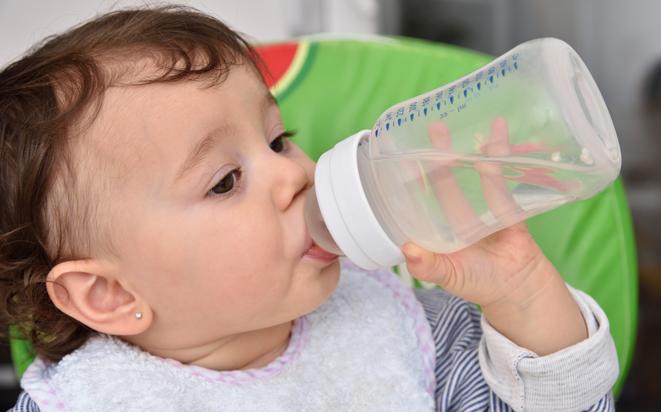 Mit diesen 10 Tipps pflegen Sie die Haut von Ihrem Baby richtig.
