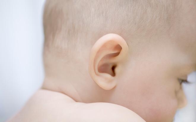 Was gegen Ohrenschmerzen bei Kindern hilft.