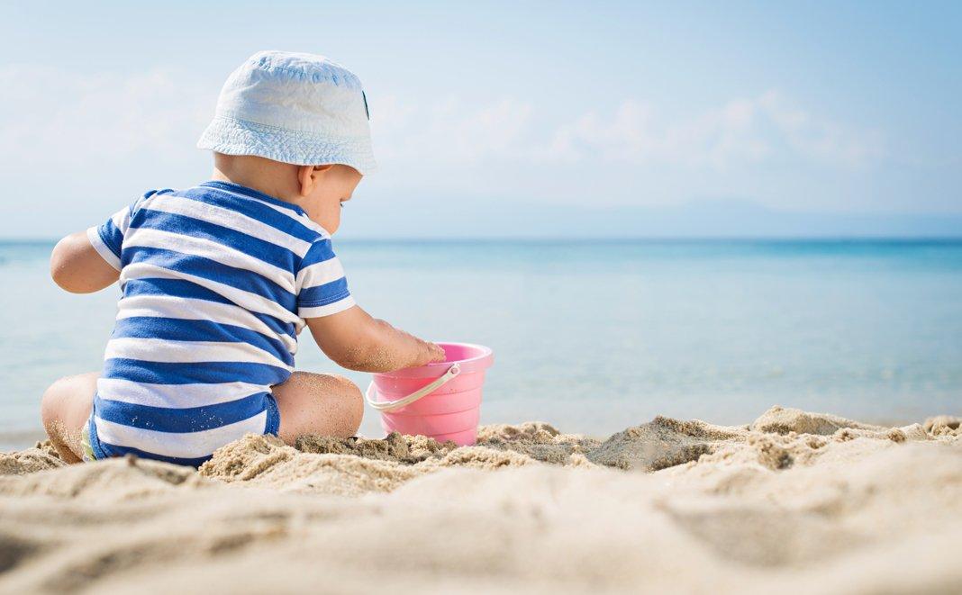 4 Tipps wie Ihr Kind geschützt den Sommer geniessen kann