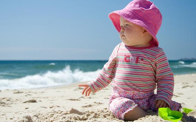 So beugen Sie Sonnenbrand beim Baby vor