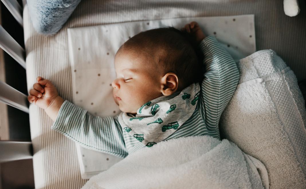 Durchschlafen lernen bei Babys